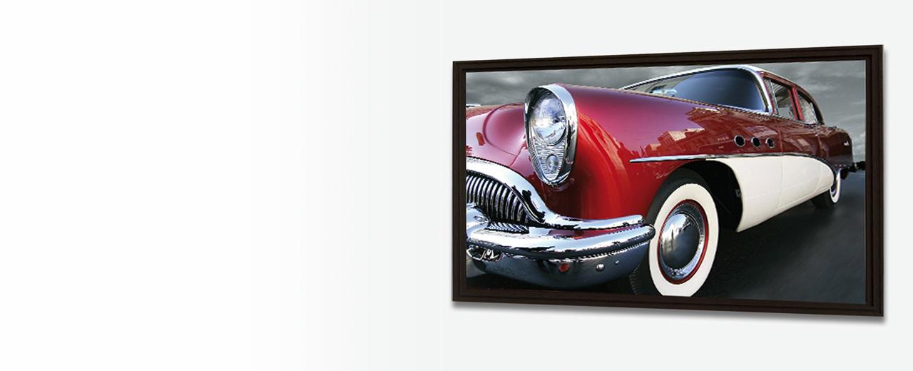 Ein gerahmter Fotodruck von einem Classic-Car