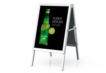 Plakatdruck - ein mobiler Plakatständer wirbt für ein Bier-Mix-Getränk
